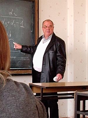 С 1973 по 2014 г. кафедру возглавлял Лауреат Премии Совета Министров СССР член Академии связи Украины В.А. Гусев